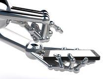 Robotachtige handholding en Aanraking op Zwart Smartphone Royalty-vrije Stock Foto