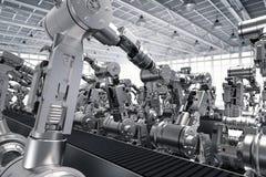 Robotachtige wapens met lege transportband Royalty-vrije Stock Afbeeldingen