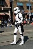 Roboter auf Straße Lizenzfreie Stockfotos