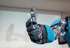 Roboter-Handzeichen, das o.k. bedeutet Lizenzfreie Stockfotografie