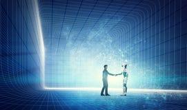 Roboter und Geschäftsmann, die Hände auf modernem Technologiehintergrund rütteln stockfotografie