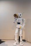 Robotertrompetenleistung ist eine der gekennzeichneten Ausstellung in Toyot stockfoto