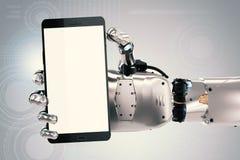 Robothand som rymmer mobiltelefonen för tom skärm Arkivfoton