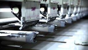 Robotic broderimaskiner arkivfilmer