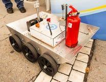 Robotic maskin med elektroniska delar Fotografering för Bildbyråer