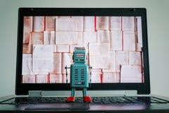 Robots met het boekenscherm, grote gegevens en diep het leren concept stock fotografie