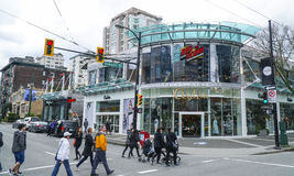 Robson street in Vancouver - main shopping mile in the city - VANCOUVER - CANADA - APRIL 12, 2017 Stock Photography