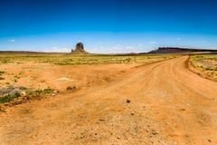 Roca antes de entrar en el valle del monumento Fotos de archivo libres de regalías