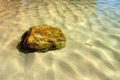Roca bajo el agua Imagen de archivo libre de regalías