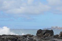 Roca, cielo, nubes, montañas Imágenes de archivo libres de regalías