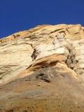 Roca contra el cielo de Big Blue Imagen de archivo libre de regalías
