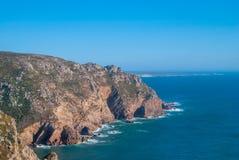 roca da Португалии cabo скалы над Атлантическим океаном, самый западный пункт европейского материка Стоковое Изображение RF