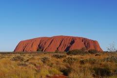 Roca de Ayers en un paisaje del desierto Fotografía de archivo libre de regalías