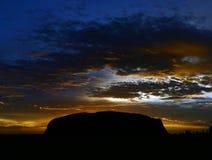 Roca de Ayers (Uluru) - salida del sol Imagen de archivo libre de regalías