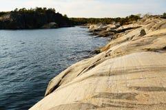 Roca de fondo de Stangnes la roca más vieja de Noruega Foto de archivo libre de regalías