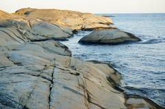 Roca de fondo y Mar del Norte, Noruega de Stangnes Fotos de archivo libres de regalías