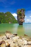 Roca de Ko Tapu en la isla de James Bond Imagen de archivo