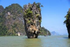 Roca de Ko Tapu, isla de James Bond Imagen de archivo libre de regalías