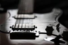 Roca de la guitarra eléctrica las veinticuatro horas del día Foto de archivo