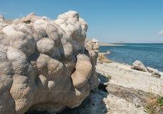 Roca de las palomitas en el lago pyramid, Nevada Imagen de archivo libre de regalías
