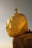 Roca de oro Imagenes de archivo