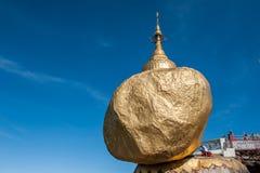 Roca de oro Foto de archivo libre de regalías
