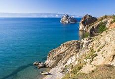 Roca de Shamanka en el lago Baikal Fotos de archivo libres de regalías