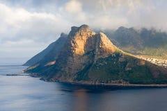 Roca del centinela del ` s de la bahía de Hout en el Western Cape de Suráfrica Fotografía de archivo