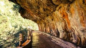 Roca del comedor de la gente en montaña Imagen de archivo