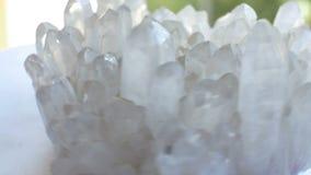 Roca del mineral del cuarzo almacen de metraje de vídeo
