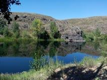 Roca del río de Kumachka Foto de archivo