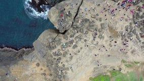 Roca del tronco del elefante en Taiwán, cantidad de la opinión superior de porciones de los turistas, 4k metrajes