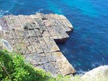 Roca en el océano Foto de archivo libre de regalías