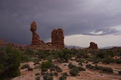 Roca equilibrada Fotos de archivo