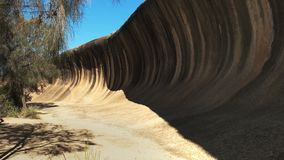 Roca espectacular de la onda en Australia occidental almacen de metraje de vídeo