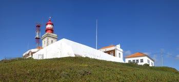 roca för caboda-fyr Cabo da Roca är den mest västliga punkten av det Europa fastlandet, Sintra, Portugal Arkivfoto