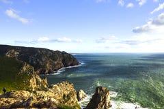 roca för caboda portugal Sikt av Atlanten från klippan Royaltyfri Fotografi