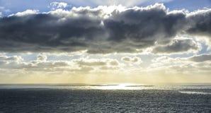 roca för caboda portugal Sikt av Atlanten från klippan på s Royaltyfri Bild