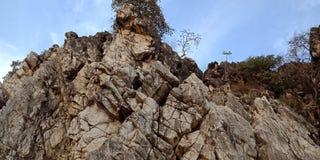 Roca o montaña, Jabalpur la India de la maravilla fotografía de archivo libre de regalías