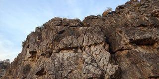 Roca o montaña, Jabalpur la India de la maravilla foto de archivo libre de regalías