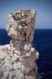 Roca por el mar Imagenes de archivo