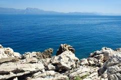 Roca y mar Imagen de archivo libre de regalías