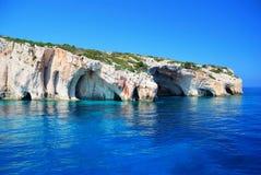 Roca y mar cavernosos Fotografía de archivo libre de regalías