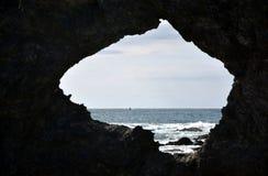 Roca y océano de Australia en Narooma foto de archivo libre de regalías