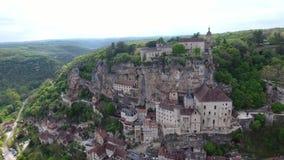 Rocamadour-Talansichten: Dorf auf Abhang, Schloss auf die Oberseite stock footage