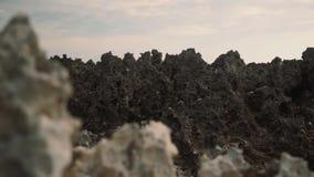 Rocas agudas paisaje, efecto de la paralaje almacen de video