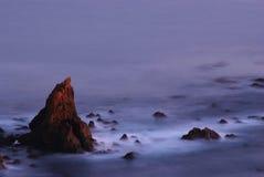 Rocas apagado de Californ meridional Fotografía de archivo libre de regalías