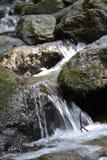 Rocas con agua fotos de archivo
