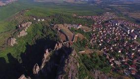 Rocas de Belogradchik, Bulgaria almacen de metraje de vídeo
