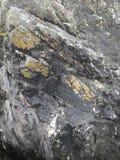 Rocas de Coastal del irlandés Imágenes de archivo libres de regalías